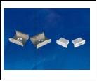 Компл. UFE-N02 SILVER A POLYBAG Набор аксессуаров для алюминиевого профиля. Крепежные скобы (4 шт., сталь) и заглушки (4 шт., пластик). Цвет серебро.