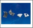 Компл. UFE-N06 SILVER A POLYBAG Набор аксессуаров для алюминиевого профиля. Крепежные скобы (4 шт., сталь) и заглушки (4 шт., пластик). Цвет серебро.