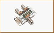 Сумм. 1вх- 2вых(2пит) . 5-1000МГц разветвитель/делитель/сплиттер Ответвитель Connector Сумматор всеволновый мини F гнезда (FSV)